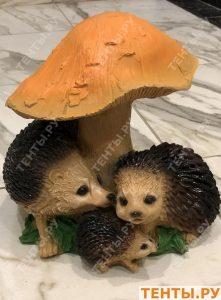 Ёжики под грибом